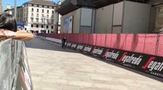 [Giro 2021] Filippo Ganna a crono a Milano…  #giro #giroditalia #repubblicab…